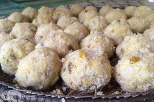 Rice banana ball snacks to feed the elephants while on tour